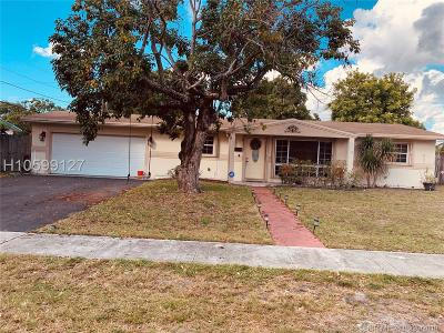 Plantation Single Family Home For Sale: 4441 NW 4th St