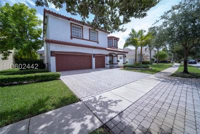 Pembroke Pines Single Family Home For Sale: 16308 SW 14th St