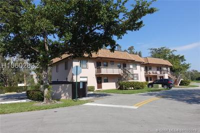 Pembroke Pines Condo/Townhouse For Sale: 10321 NW 11th St #202