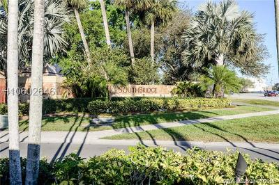 Pembroke Pines Condo/Townhouse For Sale: 730 NW 106th Ter #730