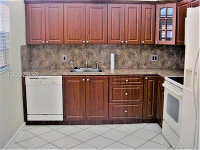 Pembroke Pines Condo/Townhouse For Sale: 251 SW 132nd Way #H101