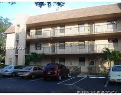 Sunrise Condo/Townhouse For Sale: 10405 Sunrise Lakes Blvd #202