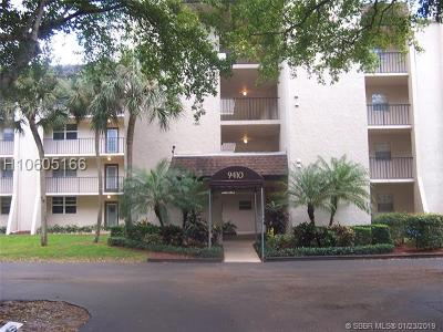 Condo/Townhouse For Sale: 9410 Poinciana Pl #209