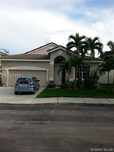 Pembroke Pines Single Family Home For Sale: 16380 NW 18th St