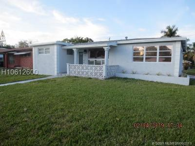 Dania Beach Single Family Home For Sale: 45 SE 7th St