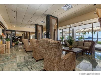 Sunny Isles Beach Condo/Townhouse For Sale: 500 Bayview Dr #2023