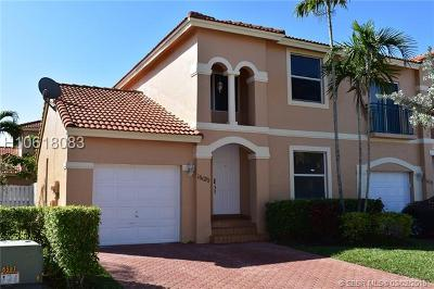 Pembroke Pines Single Family Home For Sale: 16120 NW 22