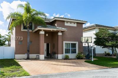 Miami Gardens Single Family Home For Sale: 18432 NW 56th Ave
