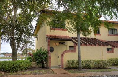 Sunrise Condo/Townhouse For Sale: 4751 NW 90th Ave