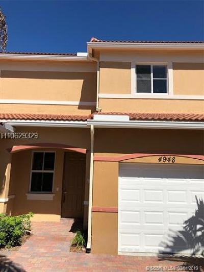 Dania Beach Condo/Townhouse For Sale: 4948 SW 30 Ave #4948