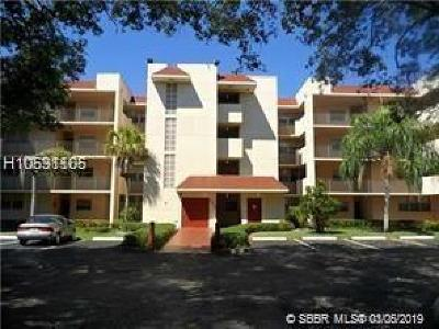Davie Condo/Townhouse For Sale: 9510 Seagrape Dr #404