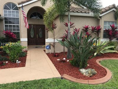 Davie Single Family Home For Sale: 2721 E Orchard Cir
