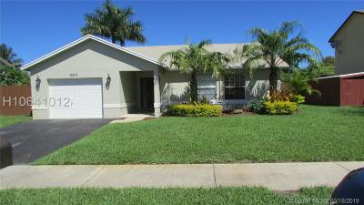 Davie Single Family Home For Sale: 5513 SW 57th Pl
