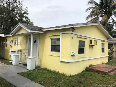 Dania Beach Single Family Home For Sale: 42 SW 4th Ave