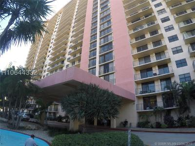 Sunny Isles Beach Condo/Townhouse For Sale: 210 174th St #2317