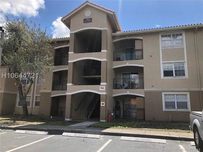 Pembroke Pines Condo/Townhouse For Sale: 11730 SW 2nd St #12-106