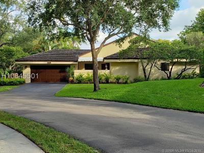 Plantation Single Family Home For Sale: 325 NW 97th Ave