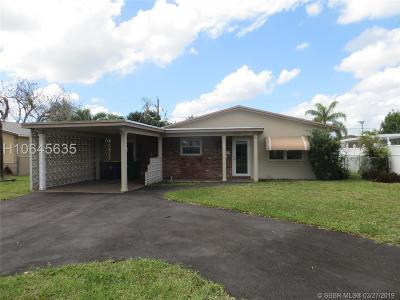 Dania Beach Single Family Home Active Under Contract: 829 NW 9th Ave