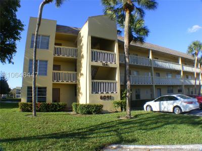 Tamarac Condo/Townhouse For Sale: 6091 NW 61st Ave #302