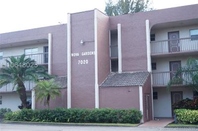 Davie Condo/Townhouse Active Under Contract: 7020 Nova Dr #103D