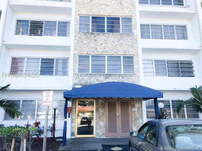 Hallandale Condo/Townhouse For Sale: 330 SE 2nd St #305F