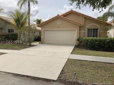 Pembroke Pines Single Family Home Active Under Contract: 17634 SW 6th St