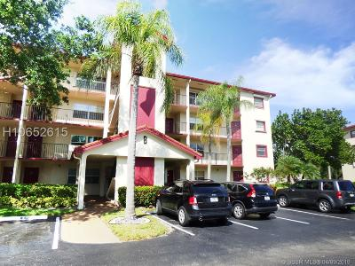 Pembroke Pines Condo/Townhouse For Sale: 1001 SW 128 Ter #215
