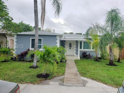 Dania Beach Single Family Home For Sale: 245 SW 5th St