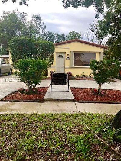 Hollywood FL Single Family Home Active Under Contract: $234,900