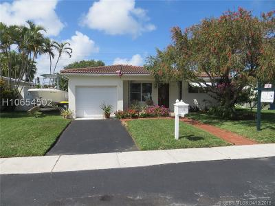 Dania Beach Single Family Home Active Under Contract: 217 SE 3rd Pl