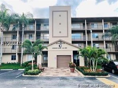 Pembroke Pines Condo/Townhouse For Sale: 13800 SW 14th St #409C