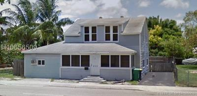 Dania Beach Single Family Home For Sale: 220 SW 16th St