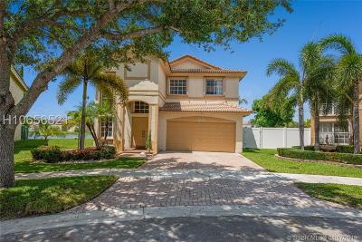 Pembroke Pines Single Family Home Active Under Contract: 20390 SW 3rd St