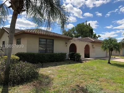 Plantation Single Family Home For Sale: 1200 SW 71st Ave