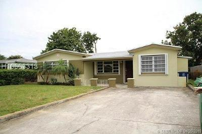 Miramar Single Family Home For Sale: 7654 Kismet