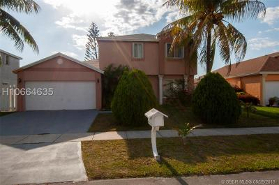 Miramar Single Family Home For Sale: 3130 Thames Way