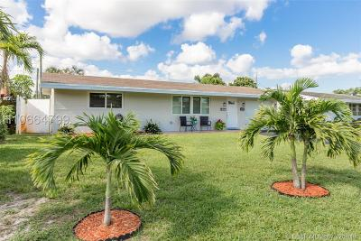 Pembroke Pines Single Family Home For Sale: 8260 NW 11th Ct