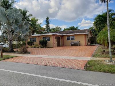 Tamarac Single Family Home For Sale: 8115 NW 70th Ave