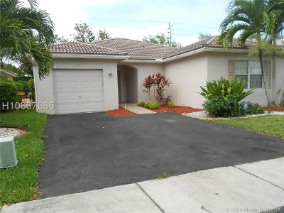Miramar Single Family Home For Sale: 11917 SW 17th Court