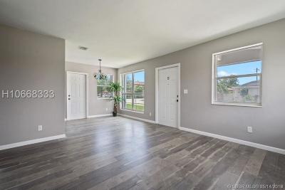 Hollywood Single Family Home For Sale: 2305 Raleigh St