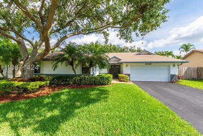 Sunrise Single Family Home For Sale: 9833 NW 41st St