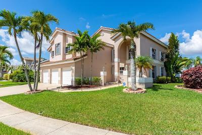 Pembroke Pines Single Family Home For Sale: 930 NW 201st Ave
