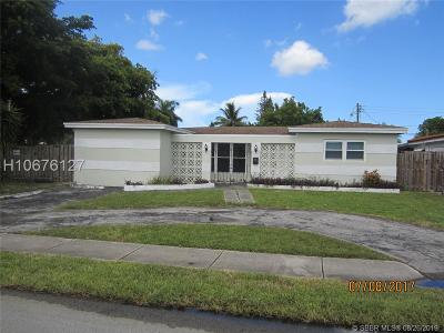 Miramar Single Family Home For Sale: 1801 Jamaica Dr
