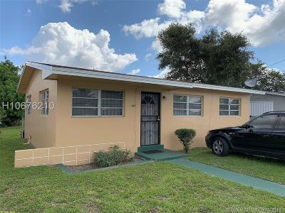 Miami Gardens Single Family Home For Sale: 1551 NW 154th St
