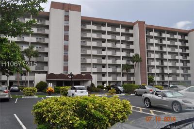 Lauderhill Condo/Townhouse For Sale: 5900 NW 44th St #304