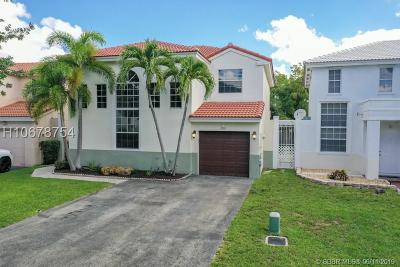 Cooper City Single Family Home For Sale: 10691 N Saratoga Dr