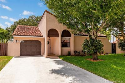Cooper City Single Family Home For Sale: 2960 Azalea Dr