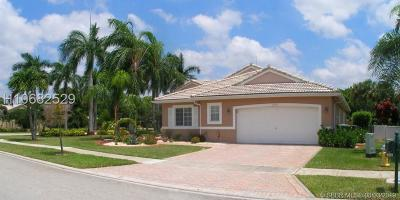 Pembroke Pines Single Family Home For Sale: 16269 SW 6th St