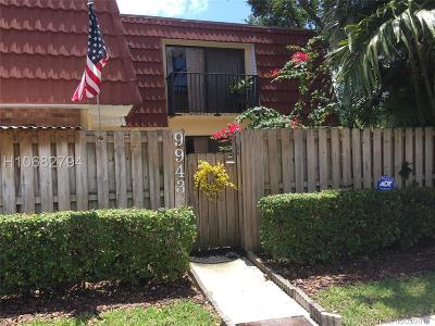Plantation Condo/Townhouse For Sale: 9943 NW 6th Ct #9943