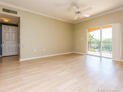 Pembroke Pines Condo/Townhouse For Sale: 160 SW 117th Ter #6303